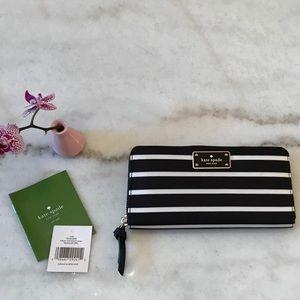 🎀Final Price🎀 Kate Spade Wilson Rd Wallet